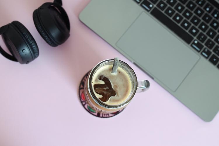Kahvia jääpalamuottiin