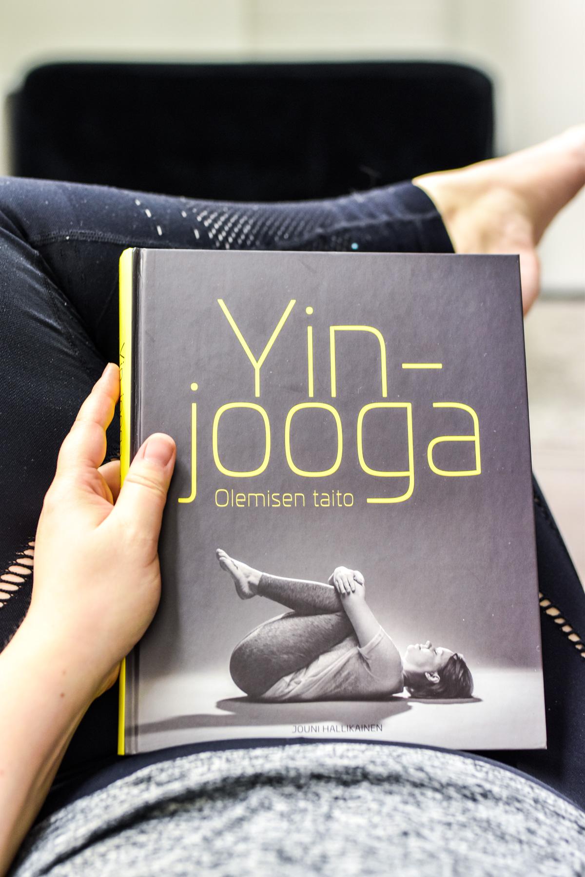 Yin-jooga-kirja
