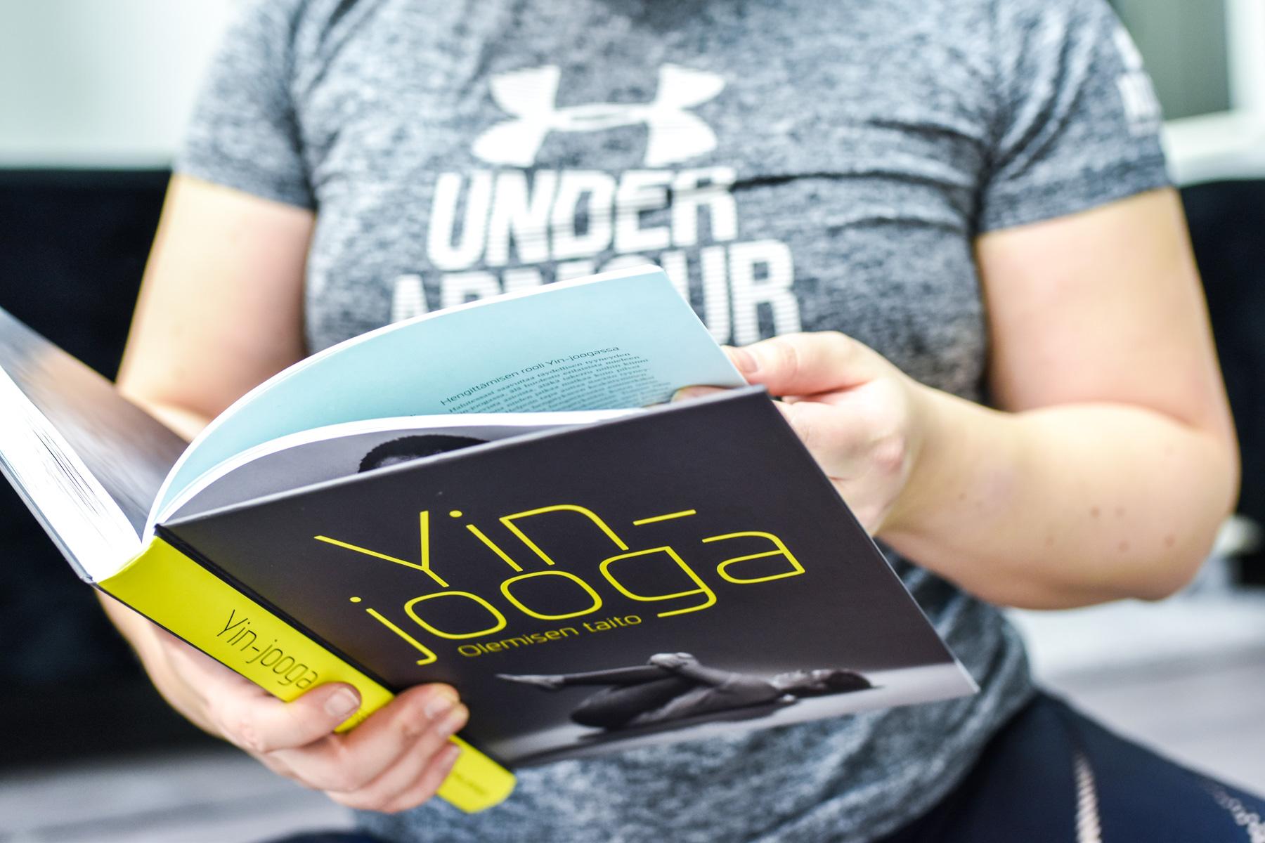 Yin-jooga & Olemisen taito -kirja