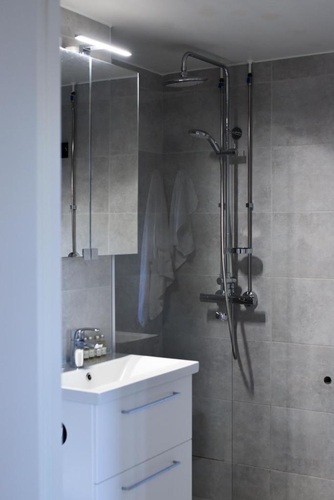 Naantali City Apartments - suihku