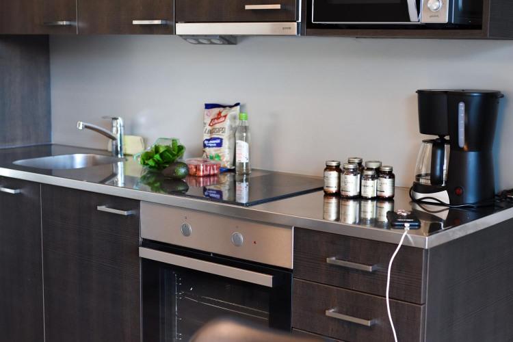Naantali City Apartments - keittiö